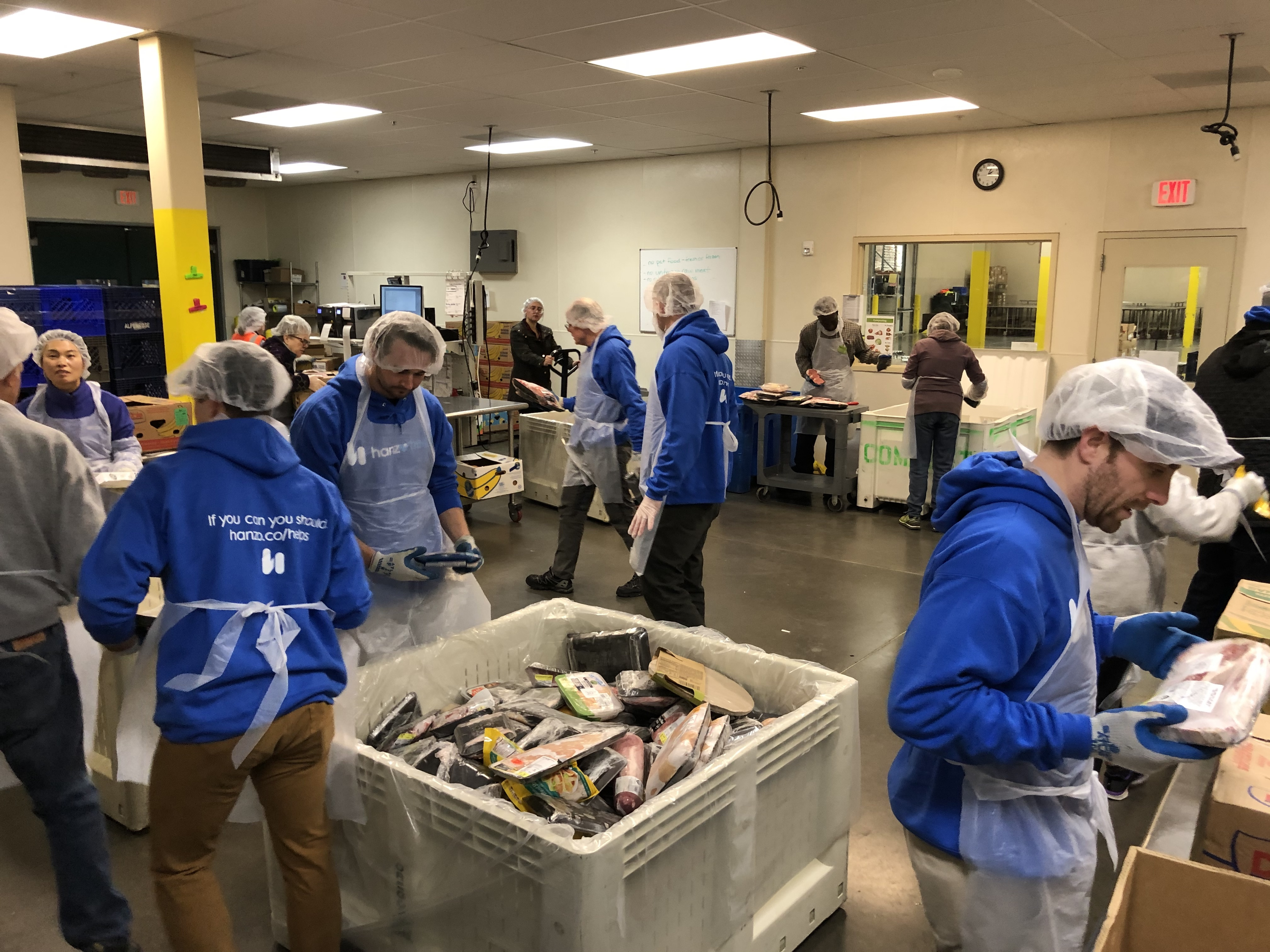 Hanzo-Helps-Food-packing-Oregon-food-bank_2041